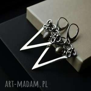 Kolczyki trójkąty z perłami srebro barbara fedorczyk z-perłami