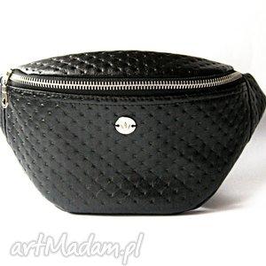 black dots nerka, saszetka, pikowana, kropki, elegancka, autorska torebki