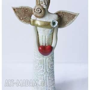 ceramika anioł ślubny z sercem, ceramika, anioł, serce