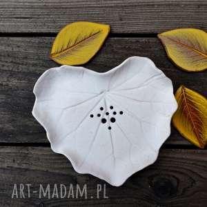 Mydelniczka ceramiczna Biały Liść - ,mydło,mydelniczka,łazienka,podstawka,ceramiczna,liść,