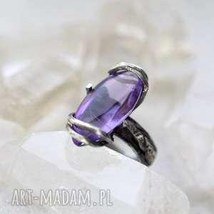 Prezent Pierścień Wiedźmy, pierścionek, srebro, ametyst, prezent, minerały, unikatowy