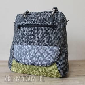 Prezent Plecak Torba Listonoszka - tkanina w jodełkę, elegancka, nowoczesna, pakowna