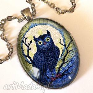 sowa - owalny medalion z łańcuszkiem - witraż, prezent
