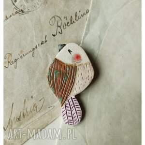 ptaszek z fioletowym ogonkiem, ceramika, broszka, ptak, ptaszki