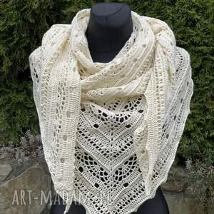 hand-made chustki i apaszki ręcznie wykonana chusta z bawełną kremowa