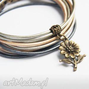 kwiatek - pomysł na prezent antique, upominek, mama, mamy, siostra, siostry