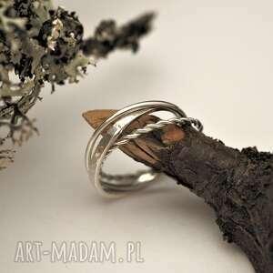 potrójny pierścionek