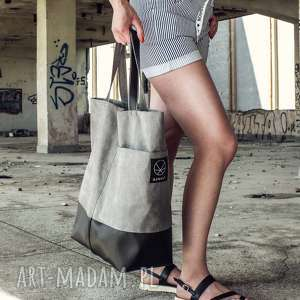Szara torba na ramię, torba-kobieca, torba-na-ramie, pojemna-torba, torba-na-lato