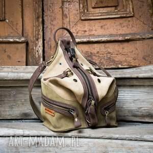wygodny skórzany plecak w kolorze beż i khaki, oryginalny wykonany