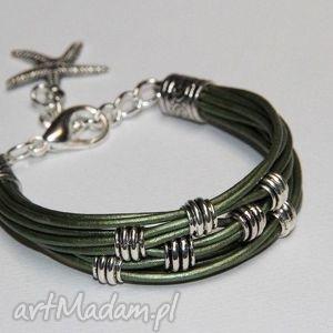 zielona bransoletka z rzemieni skórzanych, modern, design, modna, rzemienie, prezent