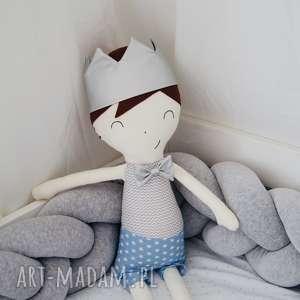 Przytulanka Mały Książe XL - srebrna korona, książe, przytulanka, malyksiąze, lalka
