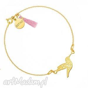 złota bransoletka z ażurowym kolibrem zdobiona - chwościk
