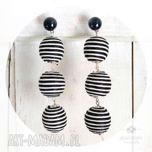 Kolczyki z trzech kulek w czarno białe paseczki, sztyfty, stal, kulki, bawełna, lato
