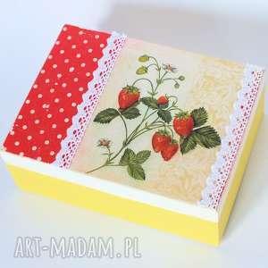 Pudełko drewniane - Apetyczne truskawki, pudełko, wieś, drewno, decoupage