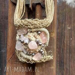 Lniany naszyjnik z kwarcem i perłą naszyjniki cynamonn folk