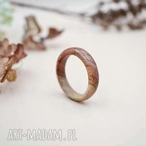 Duża obrączka z drewna tekowego sirius92 pierścionek