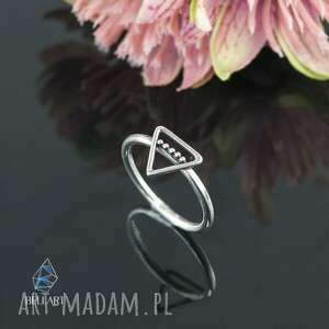 srebrny pierścionek trójkąt, pierścionek, z trójkątem