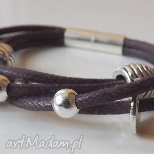 bransoletka z czekoladowego sznurka ozdobami, bransoletka, sznurek, brązowa