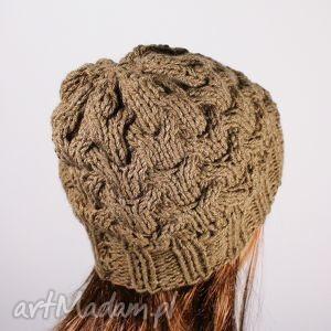 czapka warkocze dziergana coffe - czapka, warkocz, zima, głowa, dziergana, mikołaj