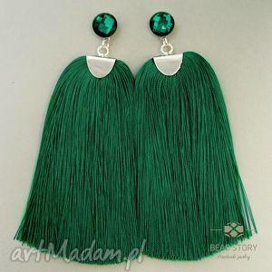 kolczyki z chwostami w emeraldowej zieleni - sztyfty, stal, kaboszon, szkło, chwost