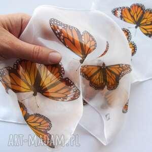 szaliczek jedwabny w pomarańczowe motyle monarcha, chustka dla dziewczynki