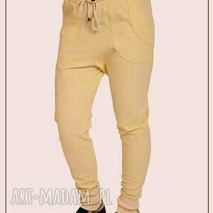 spodnie z bawelny , bawełna, sciagacz, kratka, jasne