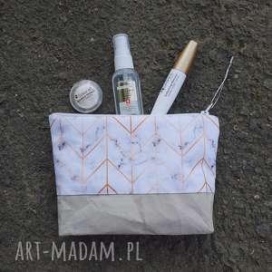 wegańska kosmetyczka - ,kosmetyczka,wegańska,marmur,saszetka,organizer,geometryczna,