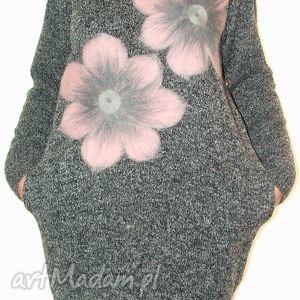 Sukienka wełną zdobiona, kwiaty, filcowanie, wełna, dzianina, aplikacje