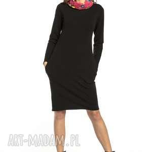 sukienka dresowa z kominem wzorzystymi dodatkami, t295, czarny / wzór łowicki