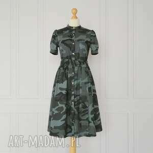 sukienki antonia zapinana sukienka z kieszeniami i stójką, krótki rękaw, moro