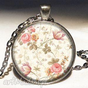 retro róże - medalion z łańcuszkiem - retro, róże, vintage