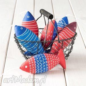 ryba - czerwono niebieska zawieszka, ryba, ozdoba, dekoracja, rękodzieło