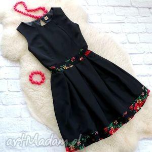 Sukienka z kontrafałdami góralskie kwiaty CLEO, sukienka, folk, cleo, góralska