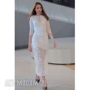 Królewna śnieżka - suknia ślubna haftowana kwiatami sukienki