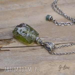 Szkło antyczne. Srebrny wisiorek z ozdobną krawatką., srebro, szkło-antyczne