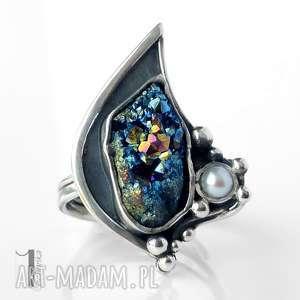 invaerne srebrny pierścionek z kwarcem tytanowym i perłą