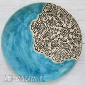 Turkusowy talerz z koronką ceramika ana talerz, ceramiczny