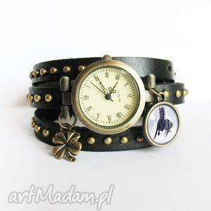zegarki bransoletka, zegarek - czarny koń czarny, nity, skórzany