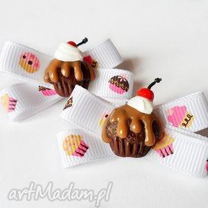 babeczki czekoladowe klipsy do butów, klips, babeczka, kokardka, fimo