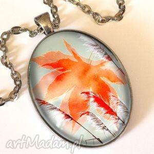 mroźny poranek - owalny medalion z łańcuszkiem - liść
