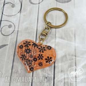 0621mela brelok do kluczy, torebki żywica, serce, brelok, żywica