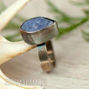 Prezent Pierścionek srebrny z surowym tanzanitem a631 , pierścionek-tanzanit