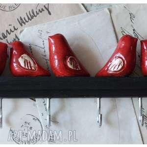 Wieszak z czerwonymi ptaszkami , ceramika, wieszak, ptak, drewno
