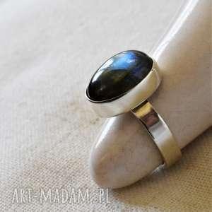 pierścień z labradorytem, klasyczny, srebro, owalny, labradoryt, elegancki