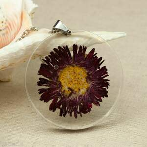 z107 duży wisior z suszonym kwiatem w żywicy, naszyjnik-z-kwiatem, biżuteria-z-żywicy