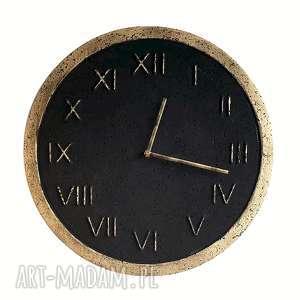 zegar ścienny betonowy handmade z betonu grafitowy złoty roman stylowy
