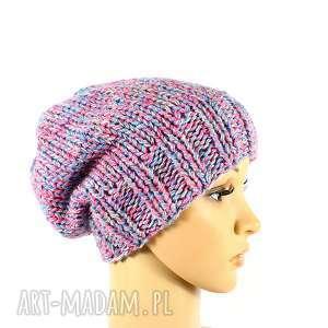 kolorowa czapka z wełną zrobiona na drutach - czapka, przędza, wełna