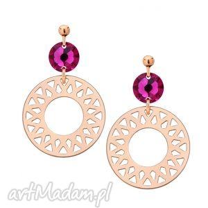 kolczyki z różowego złota z rozetami i ciemno różowymi