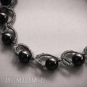 ręcznie robione bransoletka wykonana z nici jubilerskiej w kolorze srebrnym