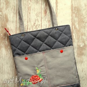 na ramię pikowana torebka z haftem - róża, torba, haft, pikowana, prezent